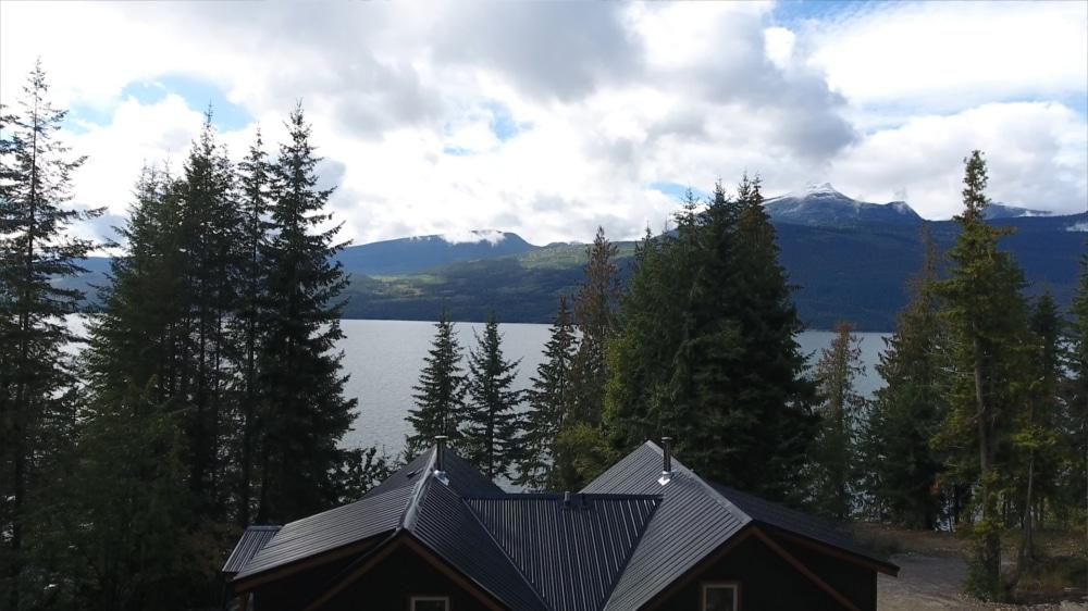 Kootenay Hot Spring Cabins - Nakusp & Halcyon BC - Homepage Gallery 3
