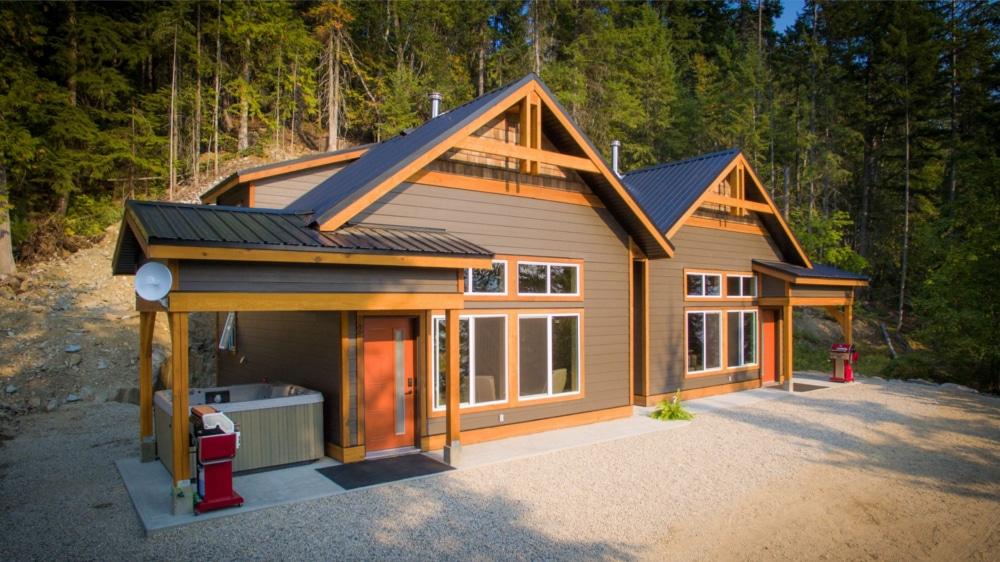 Kootenay Hot Spring Cabins - Nakusp & Halcyon BC - Homepage Gallery 4
