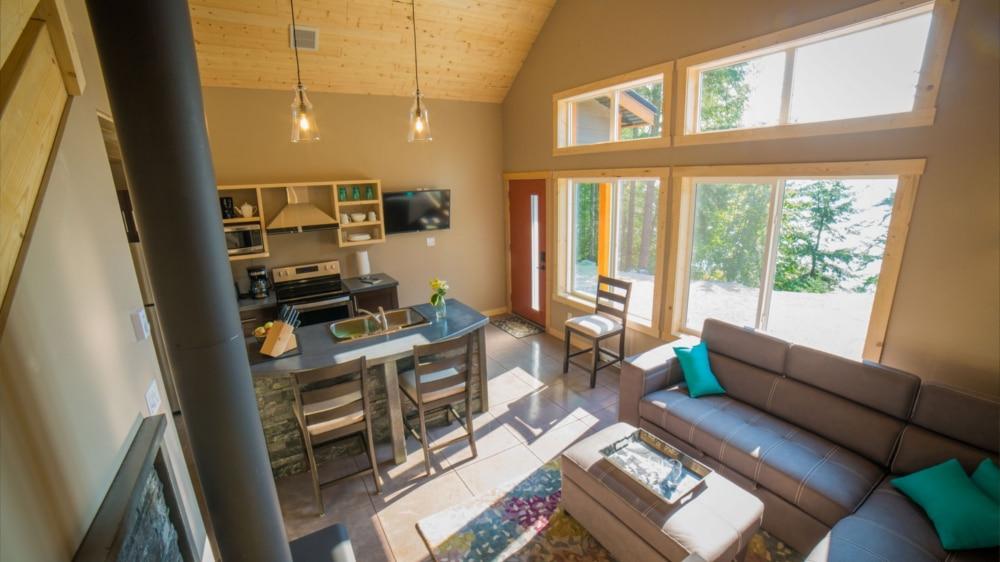Kootenay Hot Spring Cabins - Nakusp & Halcyon BC - Homepage Gallery 5