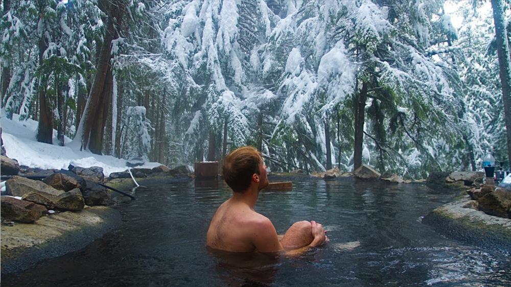 Kootenay Hot Spring Cabins - Nakusp & Halcyon BC - St Leon Hot Springs